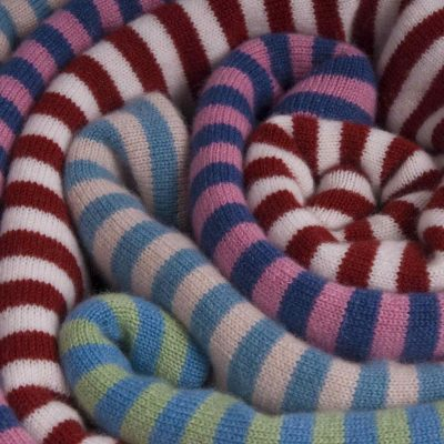 Cashmere Scarf with stripes - closeup